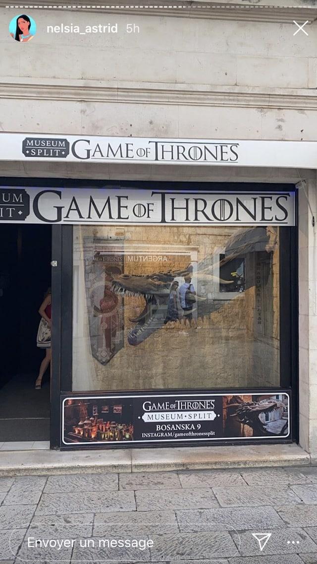 Astrid Nelsia totalement fan de Game of Thrones en vacances en Croatie !