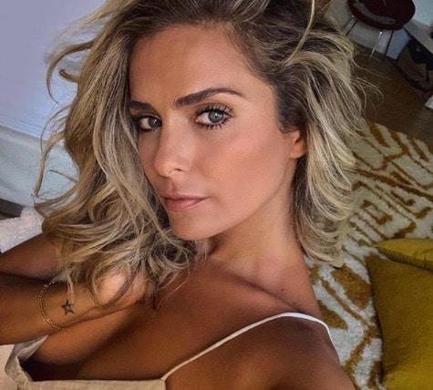 Clara Morgane: retour sur ses 5 plus belles photos en bikini cet été !