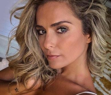 Clara Morgane: sa combinaison sexy fait l'unanimité sur Instagram !