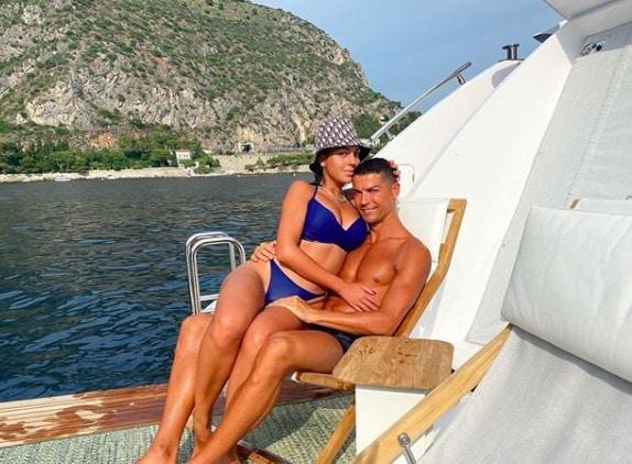 Cristiano Ronaldo et Georgina profitent à fond de leur été en famille !
