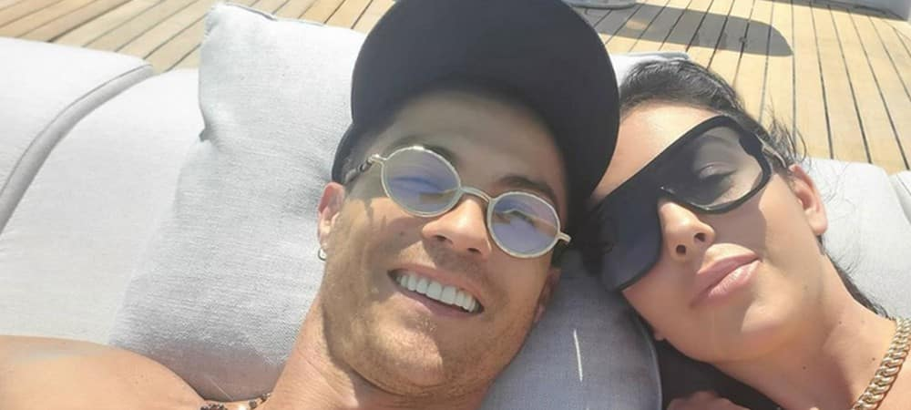 Cristiano Ronaldo s'affiche avec sa chérie et lui déclare sa flamme !