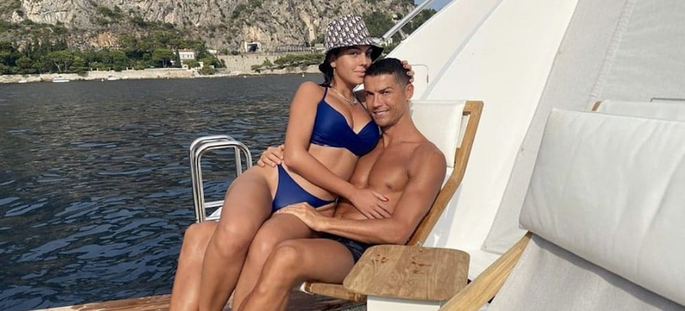 Cristiano Ronaldo très amoureux de Georgina Rodríguez en vacances !