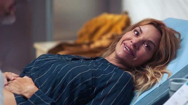 Demain nous appartient: Alex présent pour l'accouchement de Chloé ?