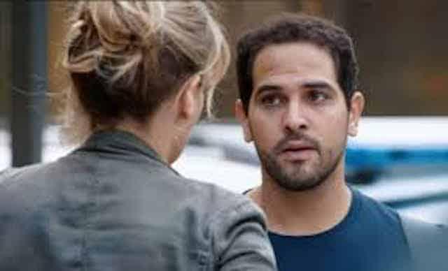 Demain nous appartient: Karim sur le point de tout avouer à Aurore !