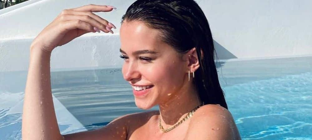 Instagram: Lea Elui en bikini sexy sous le soleil de Santorini !