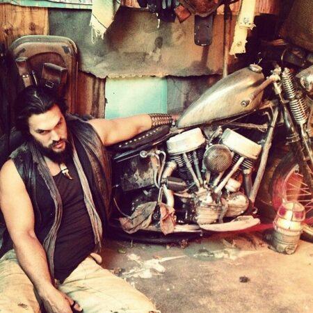 Jason Momoa met en avant sa passion pour les Harley-Davidson !