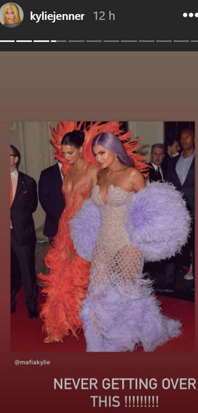 Kylie Jenner totalement fan de l'une de ses robes du MET Gala !