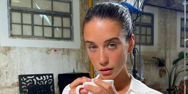 María Pedraza dévoile son regard de braise dans une vidéo Instagram !