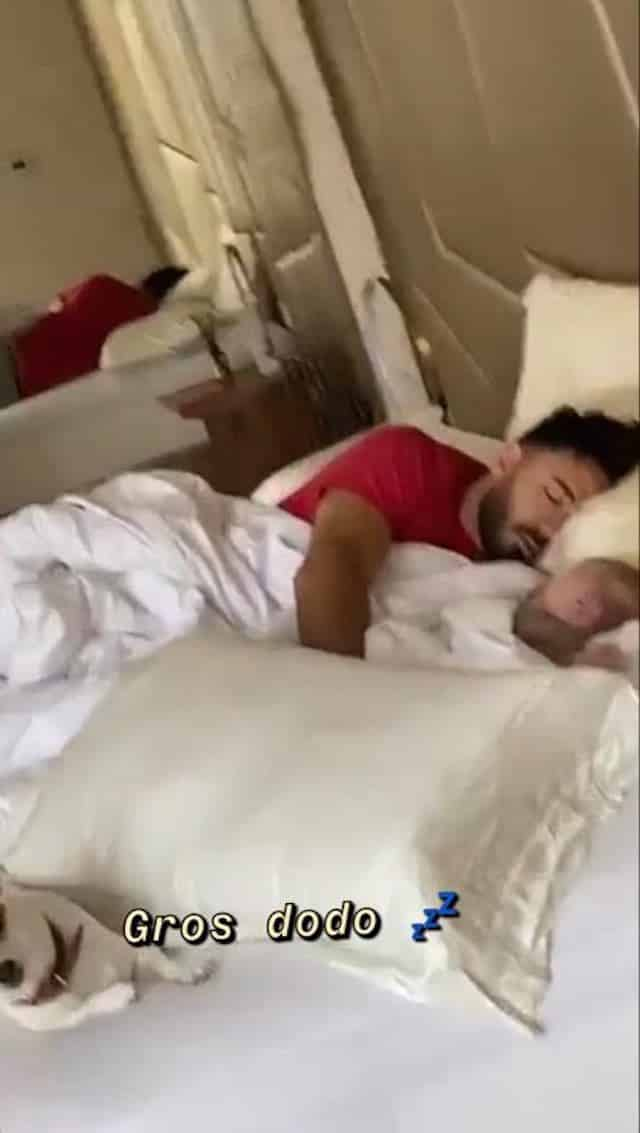 Nabilla: Thomas s'affiche en papa gaga avec son fils Milann !