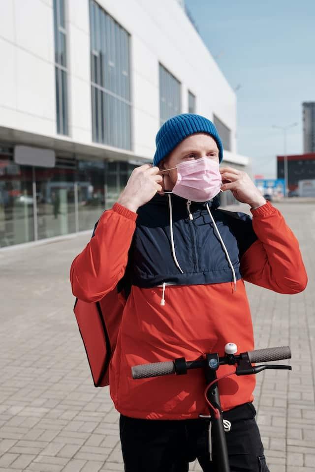 Rentrée: bientôt des masques gratuits au lycée et à l'université ?