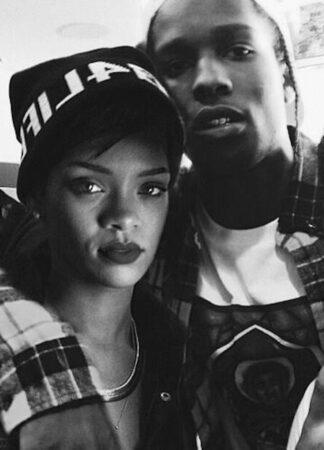 Rihanna drague ASAP Rocky en pleine interview pour sa marque Fenty Skin 640