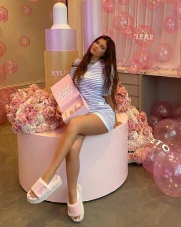 Selena Gomez, Kylie Jenner: les célébrités adorent ces pantoufles !
