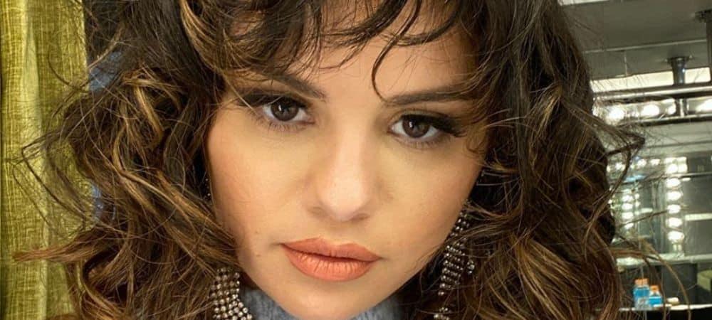 Selena Gomez partage les coulisses du shooting pour Rare Beauty !