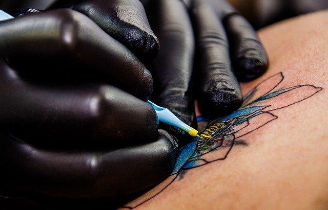 Tatouage végan: en quoi ça consiste vraiment ?