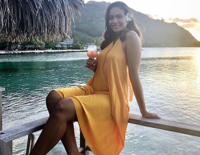 Vaimalama Chaves (Miss France 2019) en bikini noir à Tahiti !