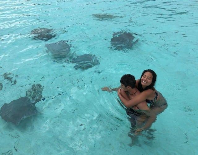 Vaimalama Chaves est toujours aussi amoureuse de son île !