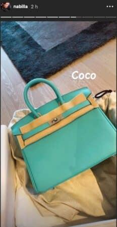 Nabilla donne des noms à ses trois nouveaux sacs à main de luxe !
