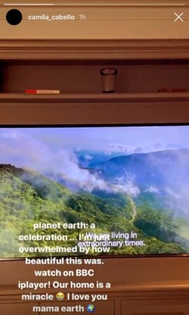 Camila Cabello en admiration face au documentaire Planète Terre !
