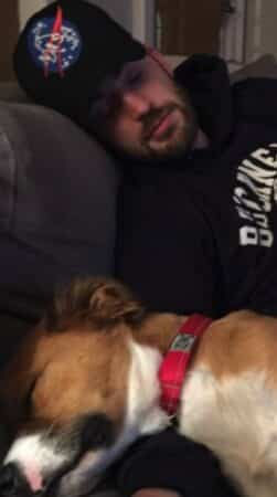 Chris Evans s'affiche avec son petit chien et fait fondre la Toile