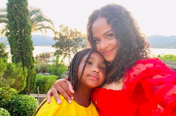 Christina Milian: sa fille contrainte de porter un appareil dentaire !
