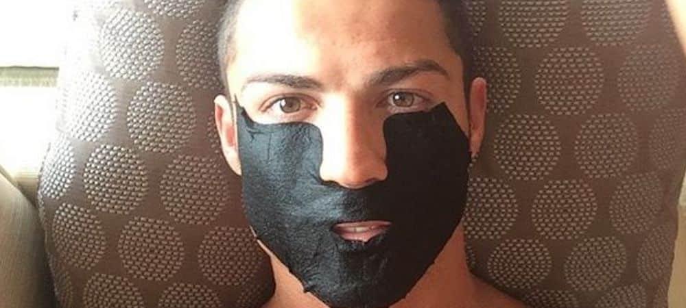 Cristiano Ronaldo rappelé à l'ordre pour le non respect du port du masque !