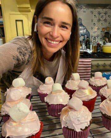 Emilia Clarke est accro à la pâtisserie depuis le confinement !