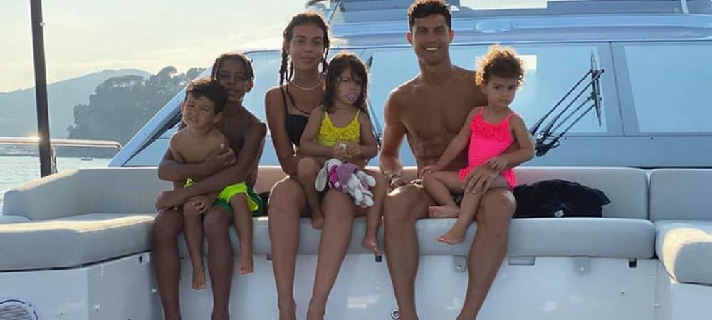 Georgina Rodríguez: son adorable sieste avec deux de ses enfants !