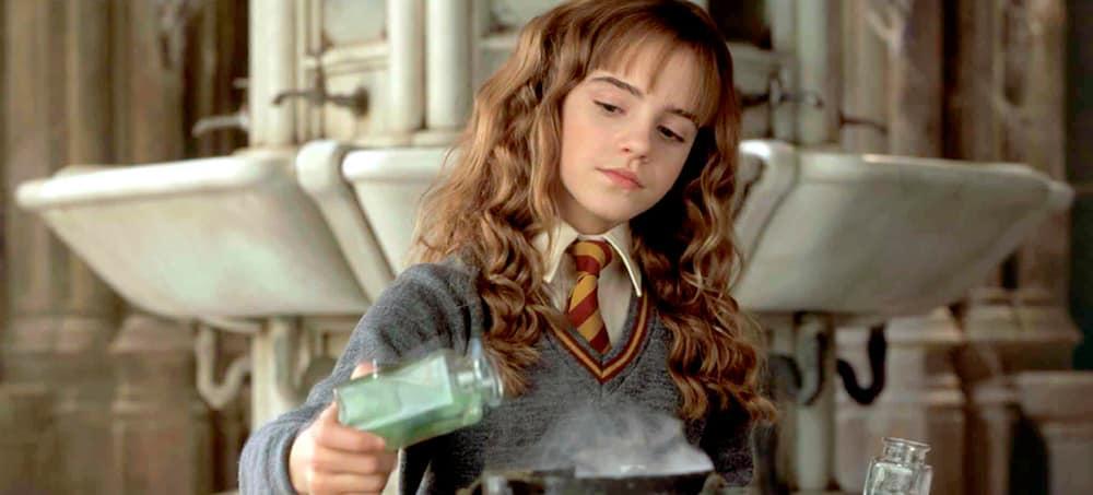 """Harry Potter: Emma Watson admet avoir """"exagéré"""" le rôle d'Hermione !"""