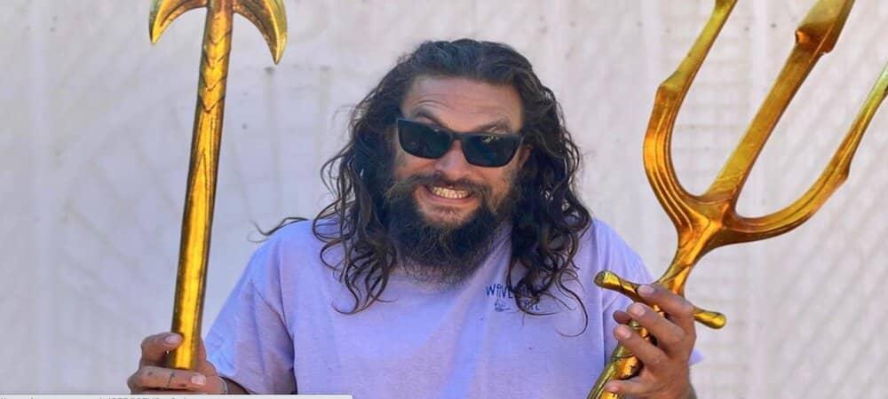 Jason Momoa s'affiche masqué dans les rues de Los Angeles1000