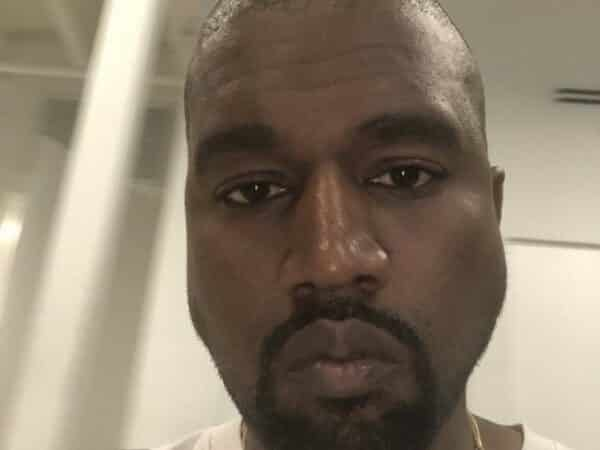 Kanye West marche sur l'eau lors d'une nouvelle messe à Atlanta 640