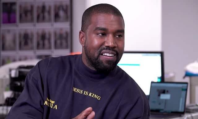 Kanye West s'en prend à Universal et à la presse !