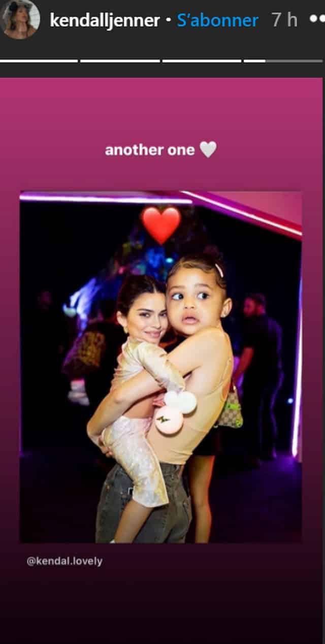 Kendall Jenner dévoile une photo de sa petite famille sur Instagram !