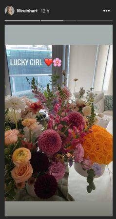 Lili Reinhart couverte de fleurs pour son 24ième anniversaire !
