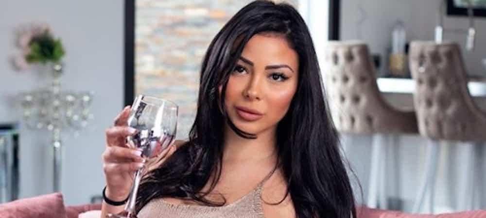 Maeva Ghennam- et si la candidate de télé-réalité avait les yeux bleus 1000
