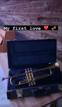 """Oli dévoile la photo de """"son premier amour"""" sur Instagram !"""