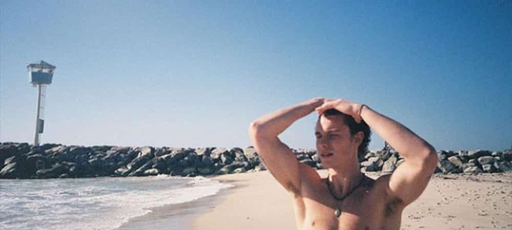 Shawn Mendes s'affiche avec un look totalement différent