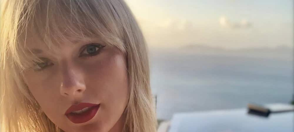 Taylor Swift félicite un de ses fans pour son doctorat !