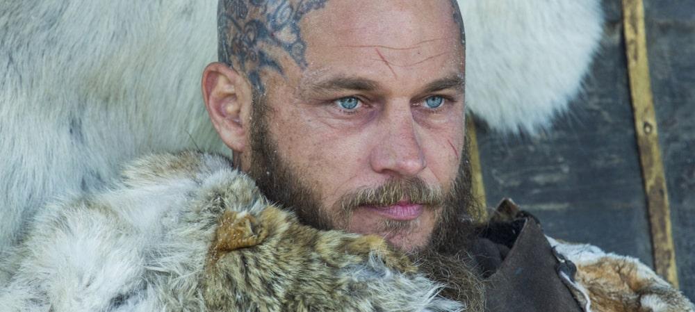 Travis Fimmel (Vikings) révèle ce qui lui manquait dans la célèbre série !