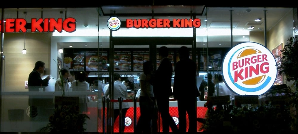 Burger King: la franchise japonaise créée un géant burger sans pain !