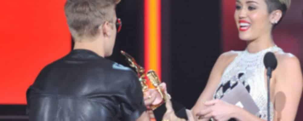 Justin Bieber: Miley Cyrus peut embrasser Harry Styles mais pas lui !