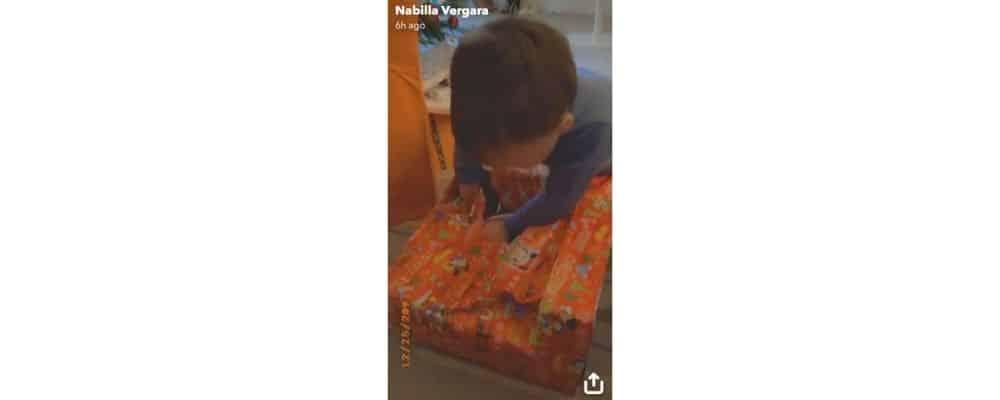 Nabilla: son fils Milann adorable en train d'ouvrir ses cadeaux de Noël !