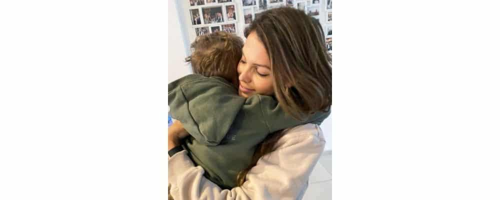 Iris Mittenaere super gaga de son neveu Octave sur Instagram !