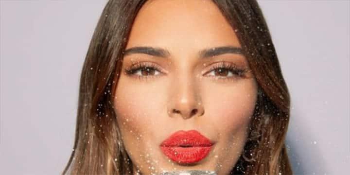 Kendall Jenner ose le total look noir et met tout le monde d'accord