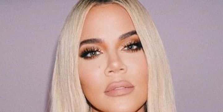 Khloé Kardashian tente de montrer ses vergetures et fait scandale !