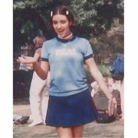 Kim Kardashian méconnaissable en mini jupe en 1996 !