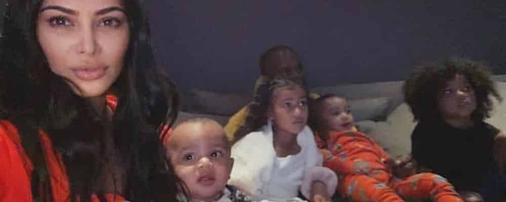 Kim Kardashian perturbée par ses enfants pour la promo d'un parfum 1400