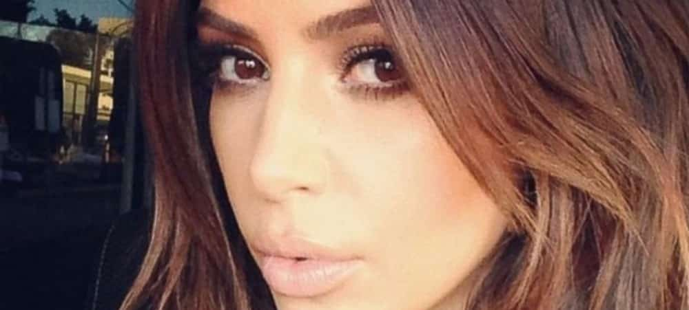 Kim Kardashian ultra sexy en total look moulant SKIMS sur Instagram !
