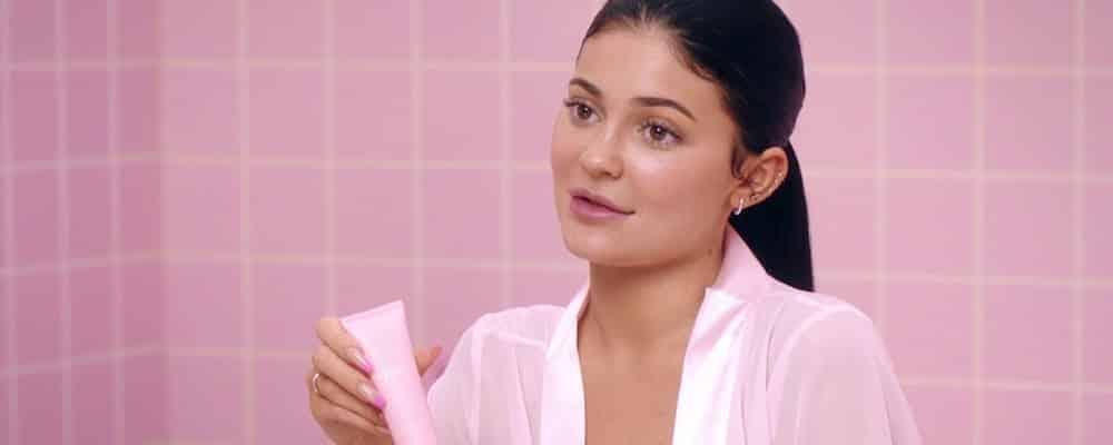 Kylie Jenner fière de la sortie de sa marque Kylie Skin en France 1400