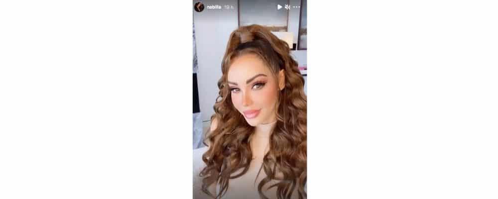 Nabilla méconnaissable les cheveux bouclés sur Instagram !