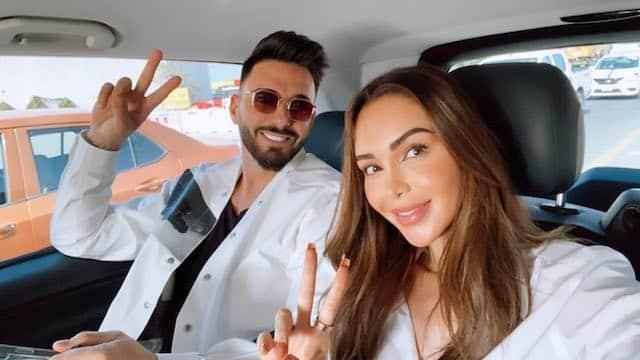 Nabilla très complice en voiture avec Thomas sur Instagram !